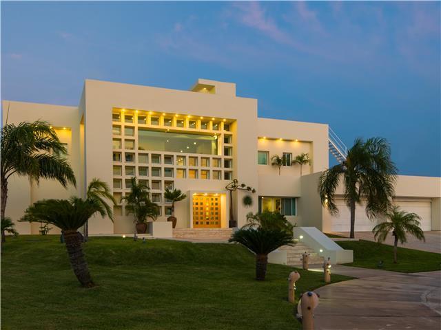 Аренда уединенной виллы класса люкс на пляже в Канкуне