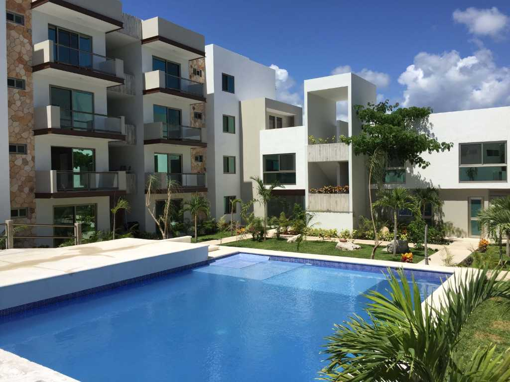 Large and inexpensive apartments for sale in Playa del Carmen