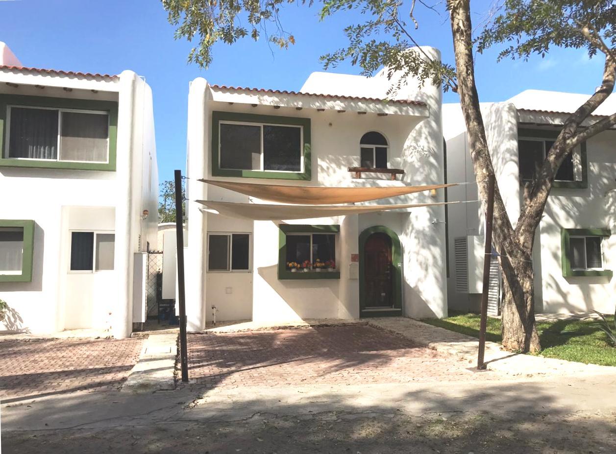 Продажа дома в небольшом кондоминиуме в Плайя дель Кармен