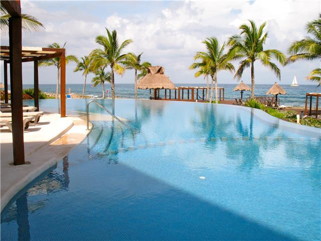 Spacious penthouse EL CIELO for rent in Puerto Aventuras