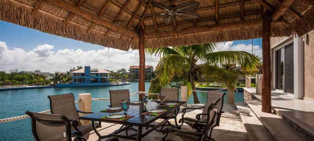 The luxury villa Casa La Torre for rent in Puerto Aventuras