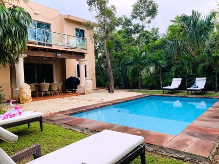 Spacious 5-bedrooms VILLA PI-XA for sale in Puerto Aventuras