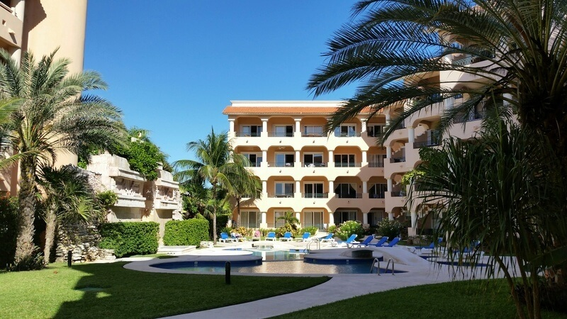 Luxury condo on the beach for sale in Puerto Aventuras