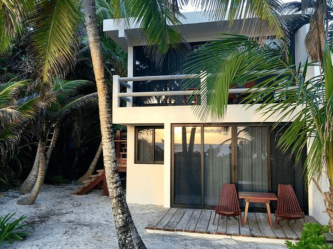 Аренда недорогой квартиры-студии для двоих на пляже в Тулуме