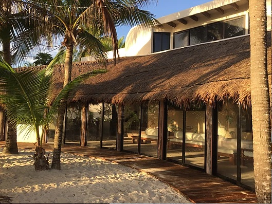 Luxury villa Casa Dunia for rent on the beach in Tulum
